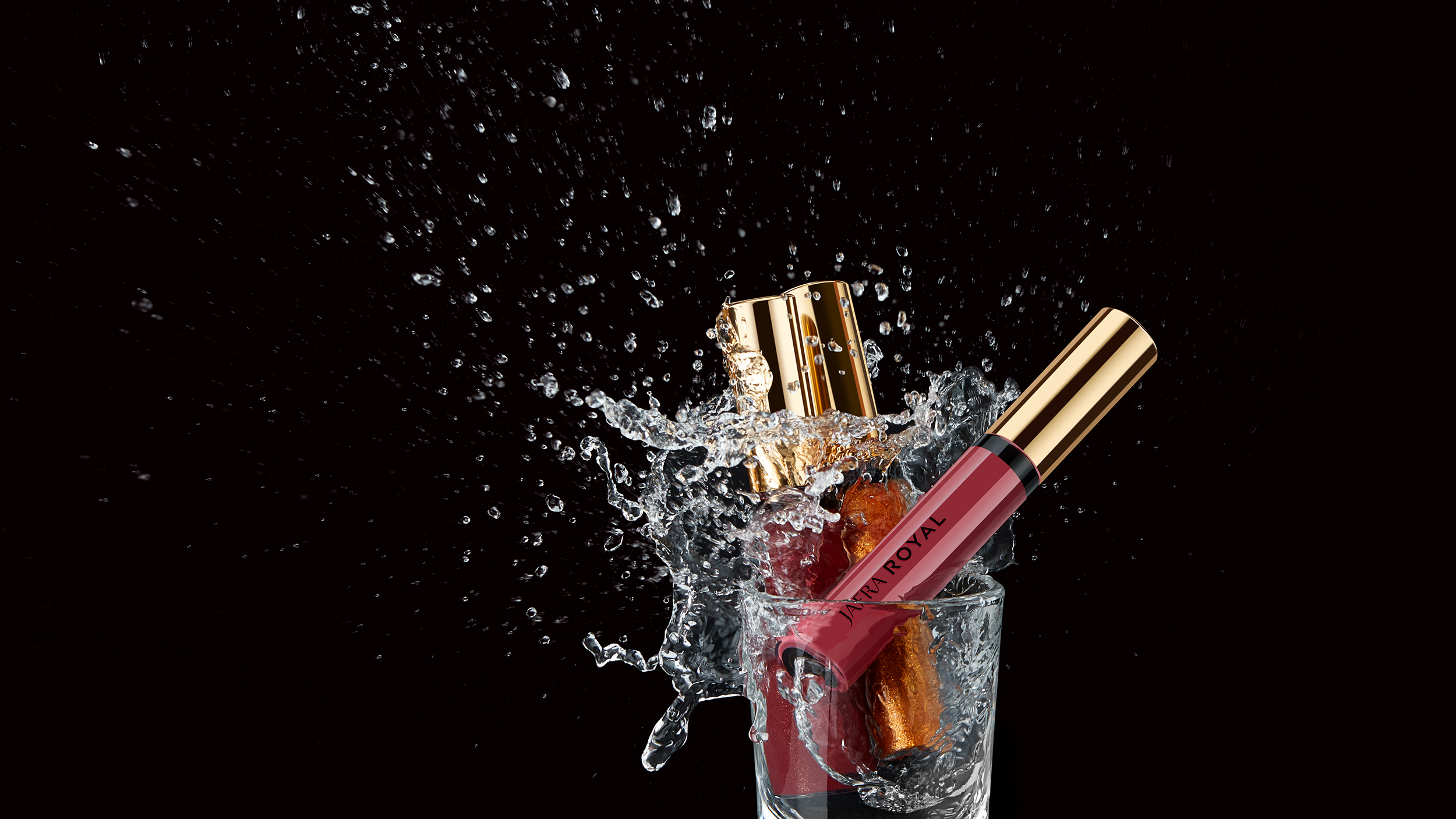 RoyalColor_PrettyLipGloss_Splash_hero_Group_074_web